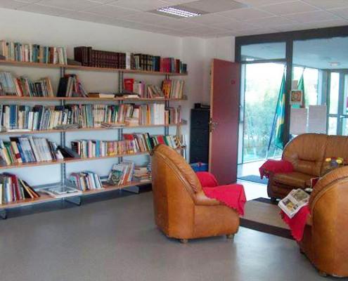 CASA AMADIS - Bibliothèque bilingue français-portugais généraliste
