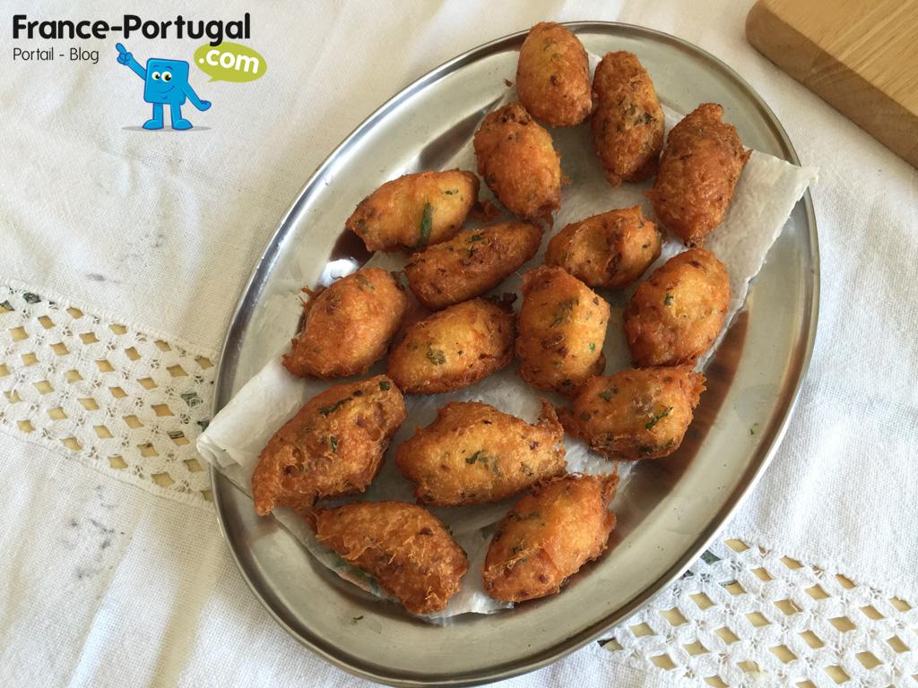 Bolinhos de bacalhau - Beignets de morue à la portugaise - fin de la préparation