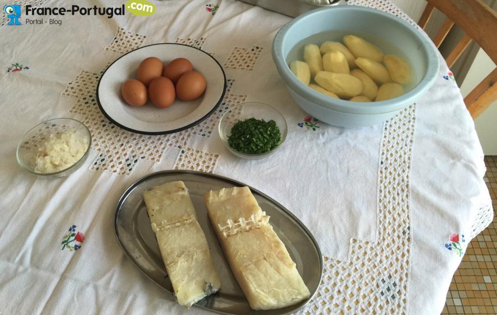 Bolinhos de bacalhau - Beignets de morue à la portugaise - ingrédients